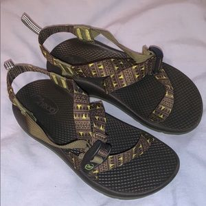 Size 5  Kid Chacos